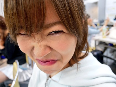 【HKT48】指原莉乃の毛穴まで見える高画質接写画像キタ━━━(゚∀゚)━━━!!