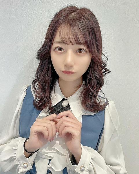【悲報】AKB48鈴木優香が髪をピンクに染めてしまう