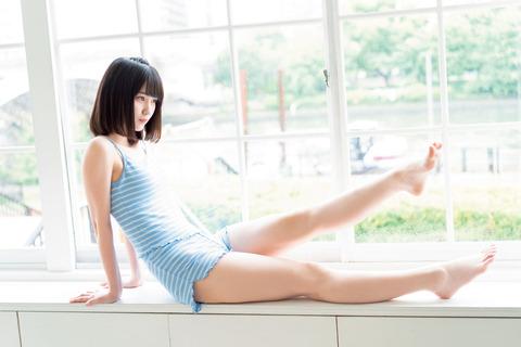 【NMB48】ドラフト3期山本望叶ちゃんのむっちり太ももペロペロ