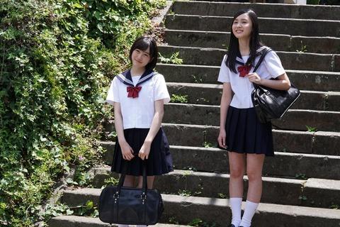 【HKT48】荒巻美咲ちゃんと坂本愛玲菜ちゃんのセーラー服、どっちが好み?