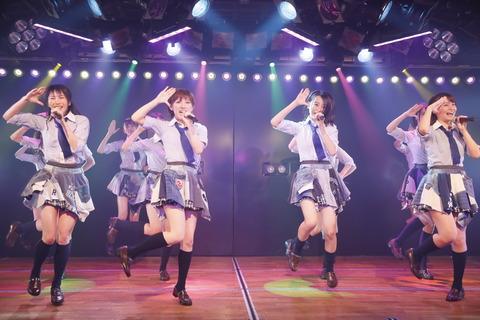 AKB48劇場って狭すぎるのに、なんで大きくしないの?