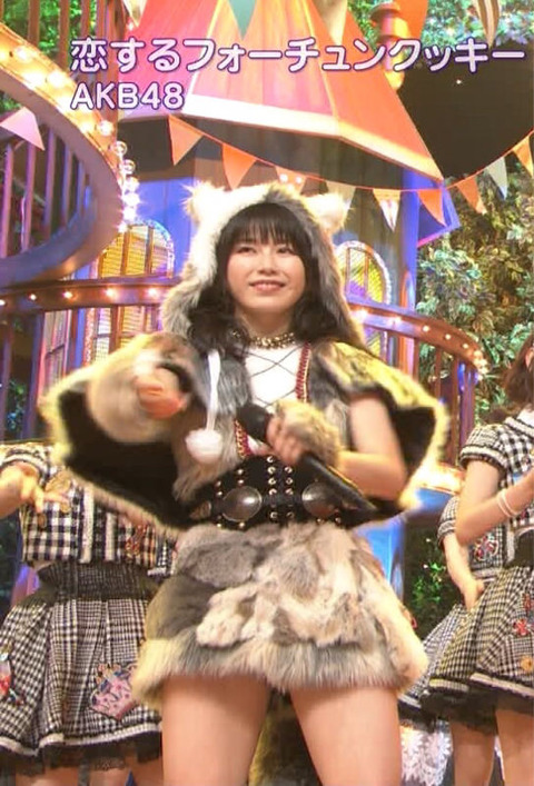 【AKB48】ゆいはんの太ももキタ━━━(゚∀゚)━━━!!【横山由依】