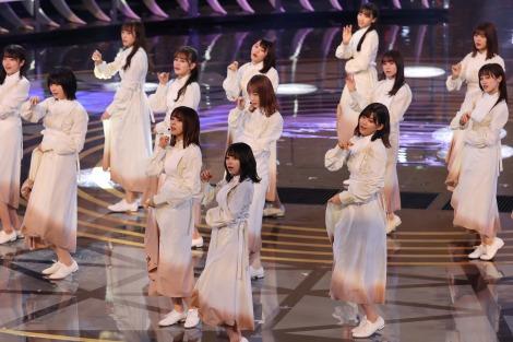 【悲報】NHK紅白歌合戦「櫻坂46と日向坂46のみなさんは2組続けてどうぞ!」→各2分以下で終了