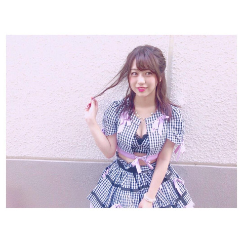 【AKB48】あやなんこんなエロい格好で握手してたのかよ【篠崎彩奈】