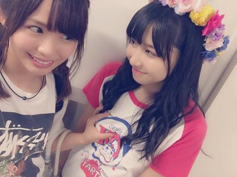 【SKE48】17歳の女子高生が27歳のおばさんに乳を鷲掴みされる・・・