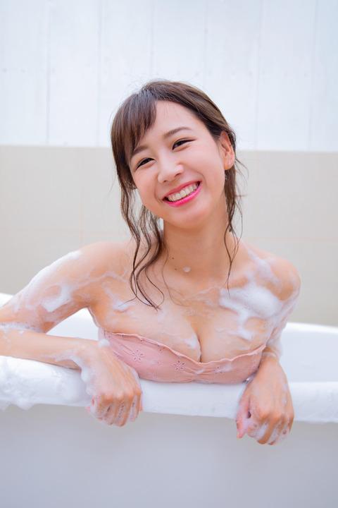 【AKB48】3千円貰うor10万円払って大家志津香さんのヌードを見る
