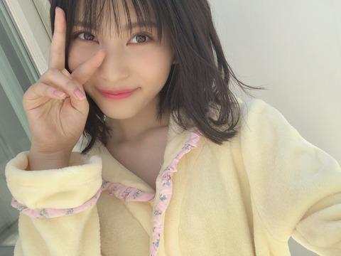 【朗報】18歳になった福岡聖菜ちゃんの水着がついに解禁!!!