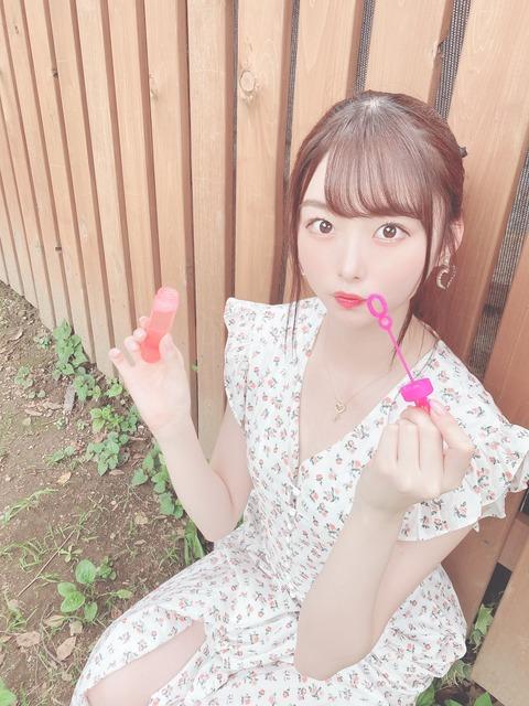 【AKB48】達家真姫宝さん、わざわざ真っ直ぐなものを背景にして歪曲能力アピール