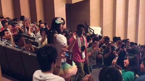 【AKB48】チーム8のメンバーを客席で踊らせるのいい加減やめろよ