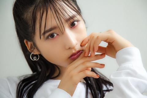【AKB48】小栗有以「尊敬しているのは柏木由紀さん。仕草や振る舞い、人との接し方…ひとりの女性として素敵だなって思います」
