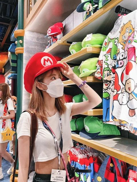 卒業後も美容系広告塔で稼ぎまくるインフルエンサー宮脇咲良さんがUSJのVIPエクスペリエンスを利用する