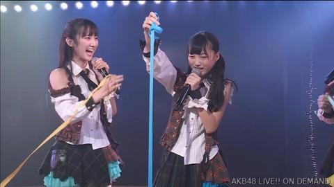 【AKB48】春まで小学生だったドラフト3期末永祐月ちゃんが初めて紙テープを投げた結果www