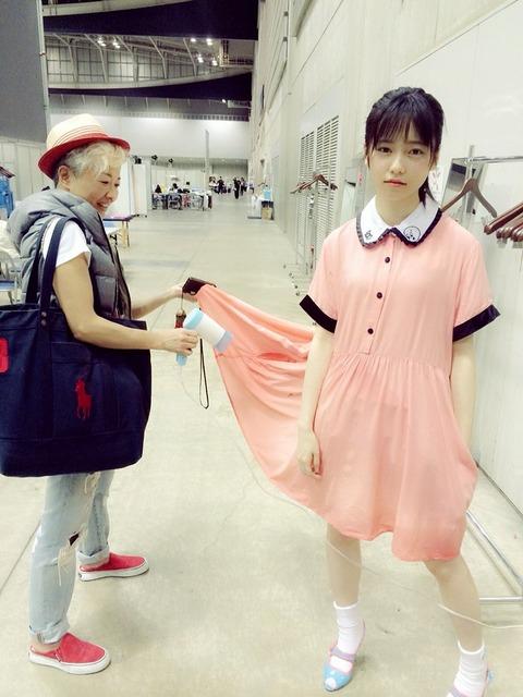 【画像】ぱるるの白い脚・・・(;´Д`)ハァハァ【AKB48・島崎遥香】
