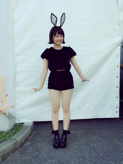 【悲報】HKT48朝長美桜がうさぎのコスプレで握手会に出た結果wwwwww