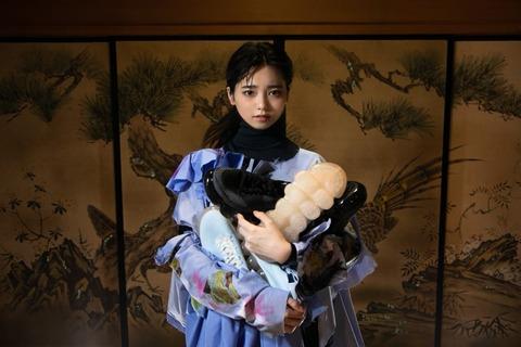 【ぱるる】島崎遥香がミキオサカベとのコラボシューズ発売