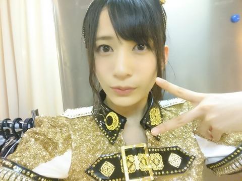 【AKB48】劇場公演でゆかるんのおっぱいがはみ出しそうだった!!!【佐々木優佳里】