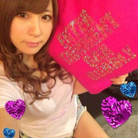 【元AKB48】小野恵令奈、歌舞伎町会員制バーの看板娘にwww