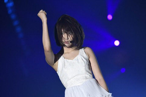 【HKT48】宮脇咲良と平手友理奈ってどっちがパフォ力あるの?【欅坂46】