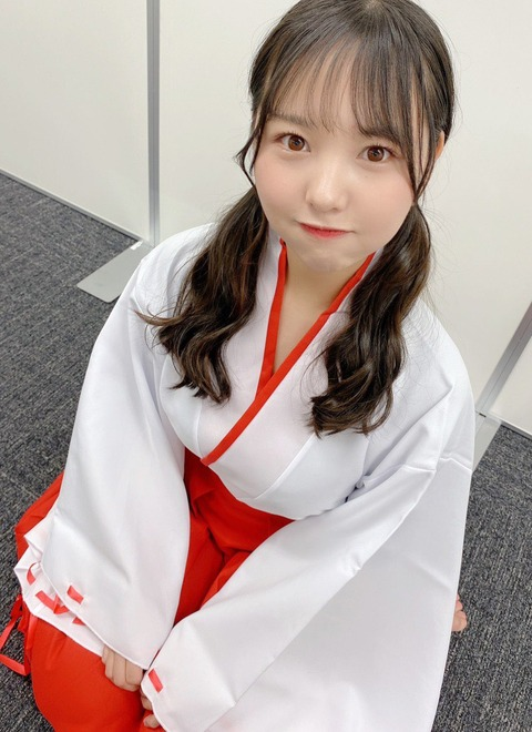 【NMB48】巨乳の巫女さんが発見されるwww【本郷柚巴】