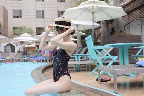 【HKT48】森保まどか「夏ですねぇ」の言葉と共に水着写真をアップ