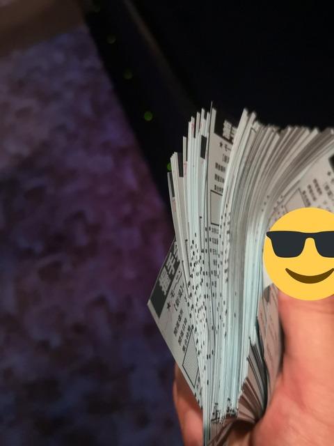 モーニング娘。の握手券商法もなかなかえげつないなwww