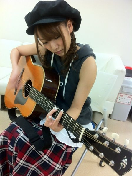 AKBの曲ギターで弾くの楽しすぎwwwww