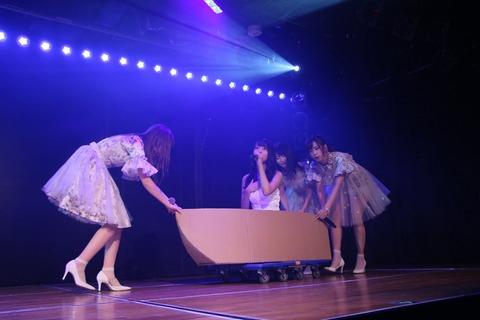 【AKB48】劇場で整列する時、ヲタに「何番ですか」と聞かないといけないのが嫌過ぎんだけど