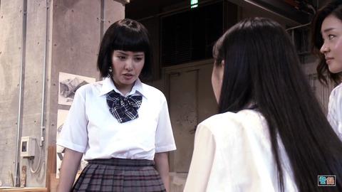 【元NMB48】山田菜々さんの主演映画、真面目な恋愛映画なのにコントにしか見えないと話題にwww