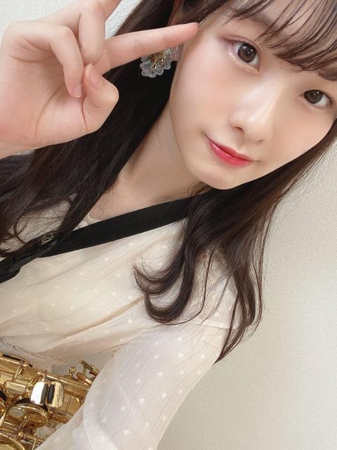 【AKB48】浅井七海さん、ショートパンツ似合い過ぎ問題