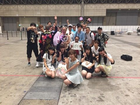 【悲報】AKB48飯野雅とヲタの写真がなぜか切ない