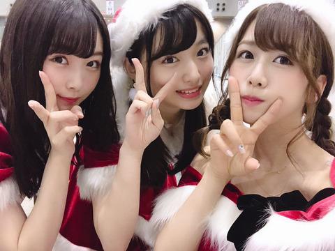 【悲報】達家真姫宝(17)、大家志津香(26)のサンタコスを「キャバクラのクリスマスシーズン」と的確に表現
