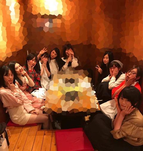 【悲報】乃木坂メンバーの集いで酒を隠したつもりが簡単にバレててワロタwww