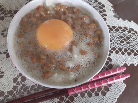 【閲覧注意?】NMB48加藤夕夏の「納豆卵かけご飯」がグロいwww