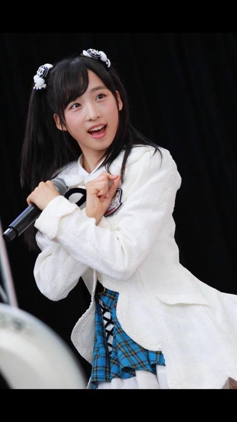 【画像】ゅぃゅぃの太ももエロ過ぎ(*´Д`)ハァハァ【AKB48・小栗有以】