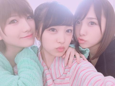 【朗報】みーおん推され継続決定!岡田奈々、高橋朱里と3人でBOMBの表紙撮影【AKB48・向井地美音】