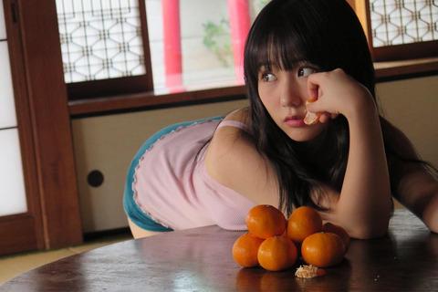 【HKT48】みくりんのみくりんが乗ってるちゃぶ台になりたいと思った奴www【田中美久】