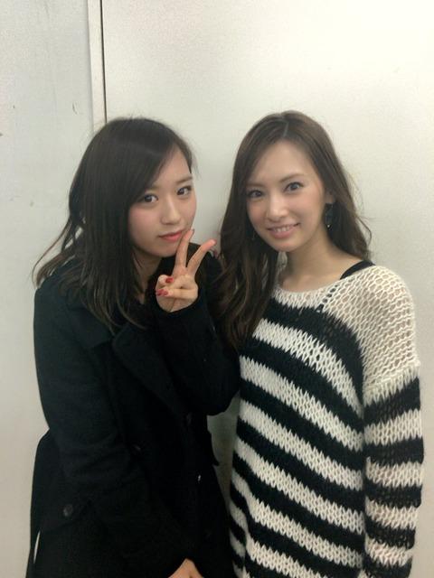【朗報】NMB48木下春奈、ついに憧れの北川景子とツーショットを撮る!!!