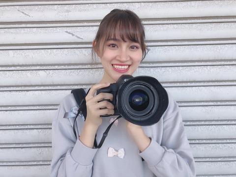【AKB48】下口ひななのカメラ、マジでデカ過ぎるwwwwww