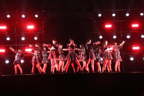【悲報】 NMB48の全国握手会、ミニライブがあるのに毎回モニターを設置しないのは何故?