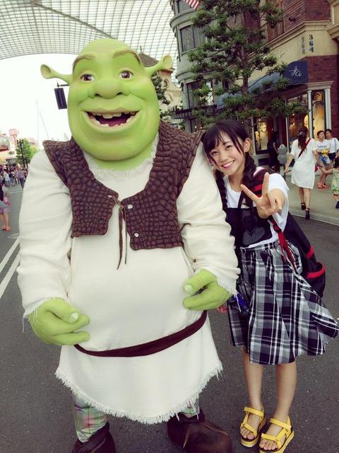 【悲報】NMB48薮下柊、イケメンとのUSJデート写メ流出