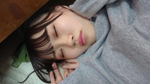 【悲報】AKB48山根涼羽レーンで抽選に外れたオタがぶち切れwww