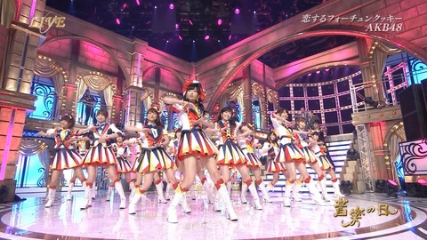 【AKB48】最大のヒット曲(売上枚数、再生回数、他)は「恋するフォーチュンクッキー」だけど、乃木坂の最大のヒット曲は何?
