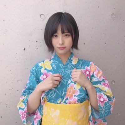 【浴衣動画】チーム8の佐藤栞さんが、また食べてる・・・