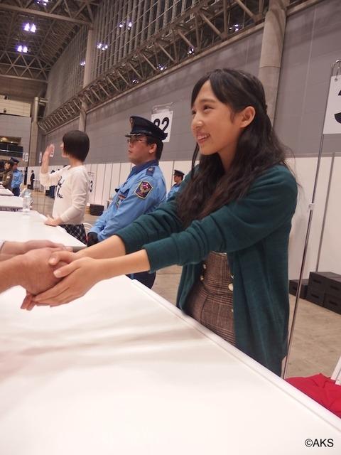 【AKB48】ゆいゆいの握手対応ってどんな感じ?【小栗有以】