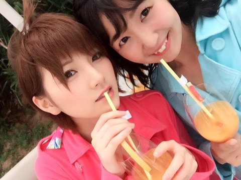 【悲報】変態船長こと岡田奈々さん、ついにBBAにまで食指を伸ばすwww