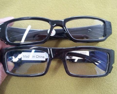 【悲報】IZ*ONEサイン会で宮脇咲良のヲタが眼鏡型の隠しカメラを持ち込み出禁にwww