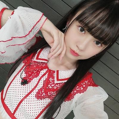 【NMB48】7期生・佐月愛果「毎朝起きたら山本望叶さんのウチワとアクリルスタンドに御挨拶させて戴いております」