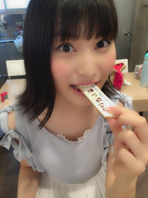 【AKB48】福岡聖菜ちゃんの微かな谷間【画像あり】