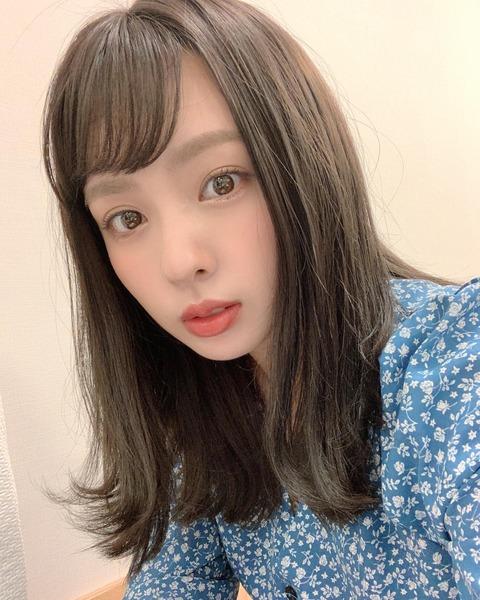 【画像】山田菜々の眼球に男映ってる?