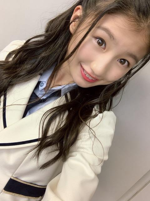 【朗報】NMB48塩月希依音ちゃん(13歳)がベストヒット歌謡祭のアナザー番組のアシスタントに!!!